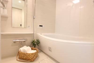 浴室換気乾燥暖房機付き浴室。