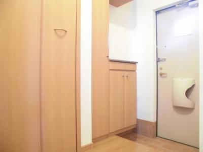 【玄関】パンシオン B