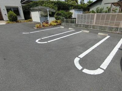 【駐車場】アン・リジェール・イースト