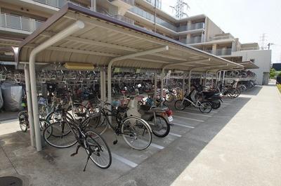 屋根のある駐輪スペース
