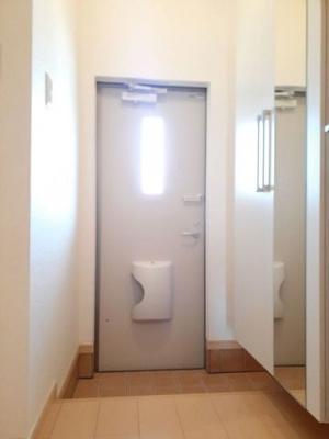 【玄関】ベル・グランディアⅡ