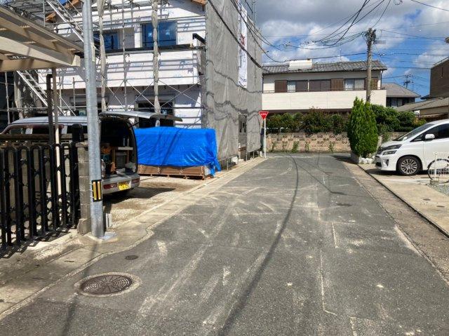 【前面道路含む現地写真】グラファーレ南区弥永2期1号 4LDK