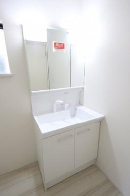 3号棟 独立洗面化粧台 脱衣スペース広々
