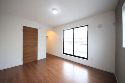 2F洋室 各室収納スペース付き