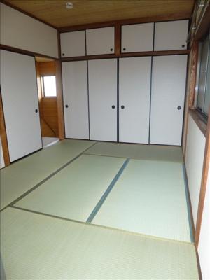 2F和室☆押入れも広く収納力あります♪