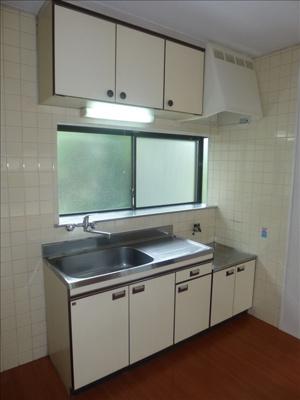 シングレバー水栓で使いやすいキッチンです♪