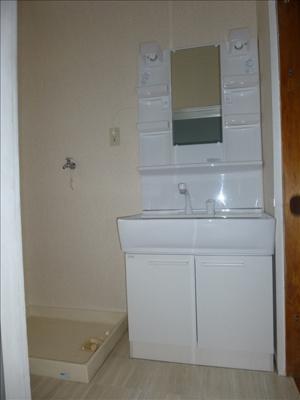 シャンプードレッサー・室内洗濯機置場♪