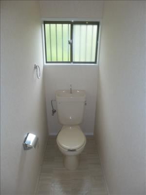 ゆったりスペースのトイレ空間☆