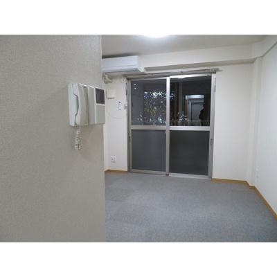 【居間・リビング】サンマンション