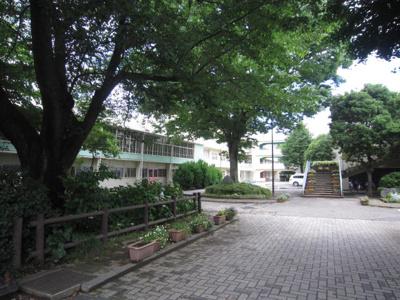 市立伸栄小学校まで654m