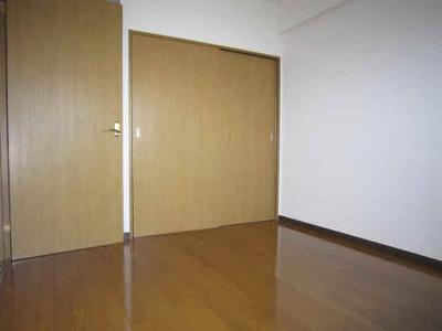 洋室収納はクローゼットです。