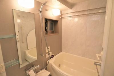 窓があり換気良好の浴室。ミスト付き浴室乾燥機交換いたしました。