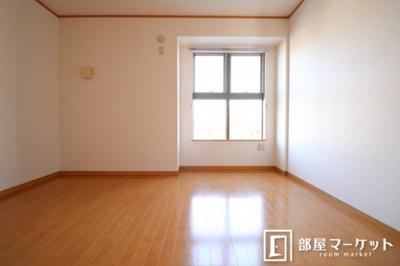 【洋室】フラワーアベニュー五番館