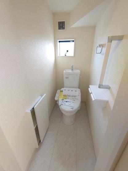 トイレ:1F2F二か所《 同社施工例 》現地見学や詳細は 株式会社レオホーム へお気軽にご連絡下さい。