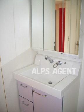 身支度便利な独立洗面台付(同一仕様)