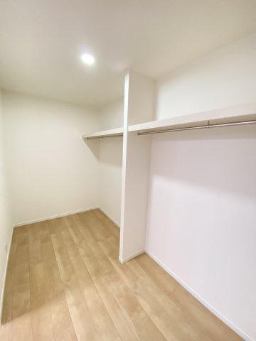 2F洋室。各部屋が独立しているので、プライバシーが守られます♪お子様が思春期を迎えられても安心です!
