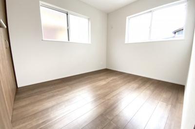 《洋室5.2帖》全室が2面採光の明るいお家で新生活をスタートしてみませんか?