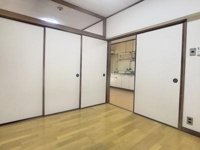 【洋室】ロイヤルハイツ名池