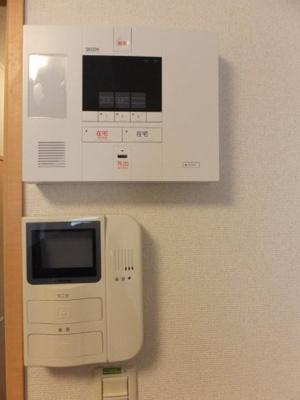 上:ホームセキュリティ(セコム) 下:モニタ付インターホン