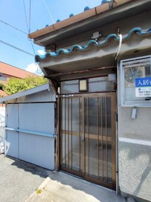 【エントランス】玉串町西2丁目貸家