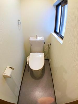 2階トイレの写真です♪