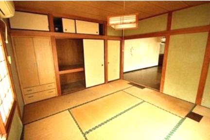 和室があれば客間としても活用~リビングに隣接する和室8帖