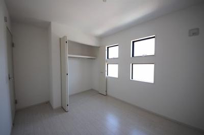 1号棟 ちょっとした収納スペースも充実しています
