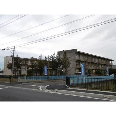 小学校「長野市立篠ノ井東小学校まで1565m」