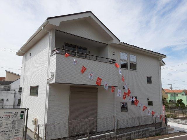 新築一戸建て 限定1棟 八千代市萱田町 高台に建つお住まい、広いLDK20.3帖は嬉しいです!仲介手数料無料です。