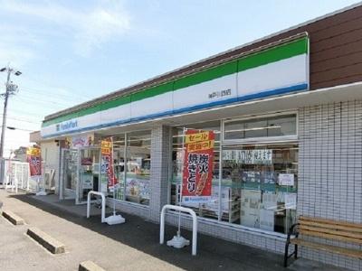 ファミリーマート 神戸川西店まで270m