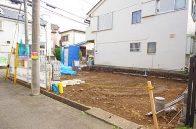 【前面道路含む現地写真】入間市東藤沢8丁目 全1棟