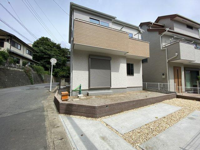 JR総武線「津田沼」駅は徒歩圏の徒歩19分です。