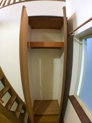 3階約6帖の洋室の収納です♪