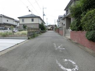 【前面道路含む現地写真】鴻巣市赤見台4丁目の整形地