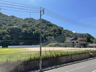 比較的静かな立地 500m圏内に「フジ 海田店」「海田郵便局」「セブンイレブン」生活便利な場所です