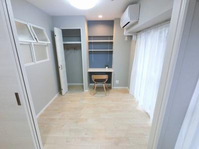 3.7帖の洋室です。 子供部屋やワークスペースとしても活用できます。