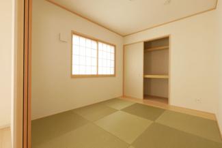 和室の施工例。リビング隣にある和室は様々な利用が出来ますね。