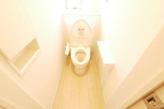 トイレの施工例。トイレは1階と2階の2ヶ所。
