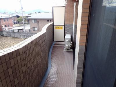 石井東小学校 486m