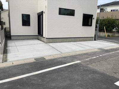駐車2台分悠々スペース確保!来客時にも便利ですね