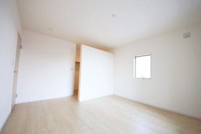1号棟 たっぷりとした収納スペースです