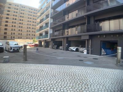 マンション駐車場です。