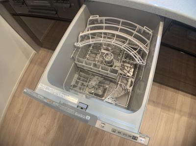 便利な食器乾燥機つきです。