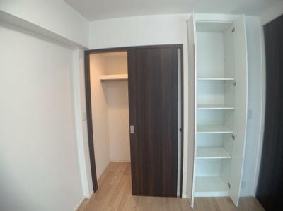 大きさや用途で使い分けれる収納スペースです。