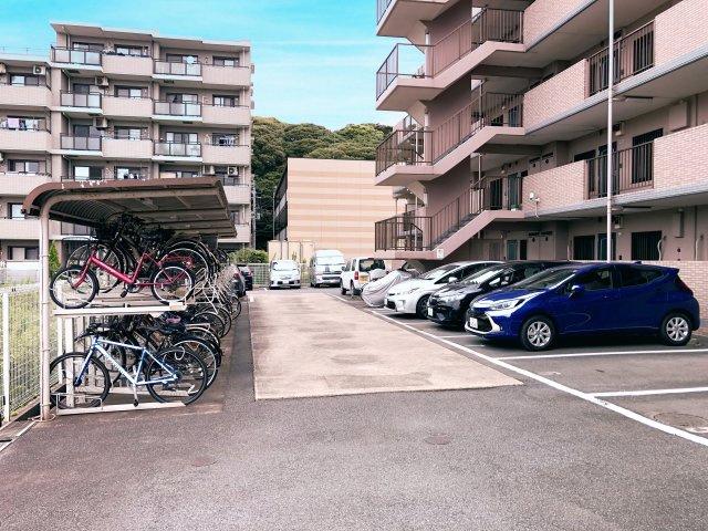 整理整頓された、駐車場・駐輪場です。