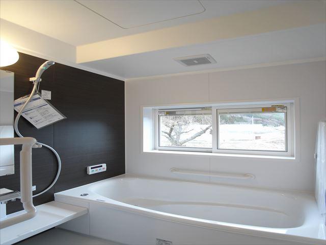 【浴室】辰野町横川 中古住宅