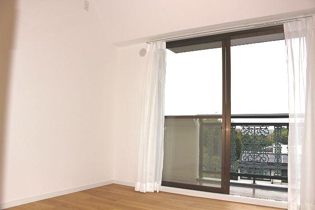 【居間・リビング】ファーネスト室見河畔公園