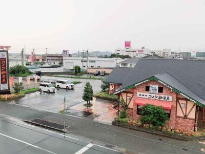 コメダ珈琲店三木平田店まで400m
