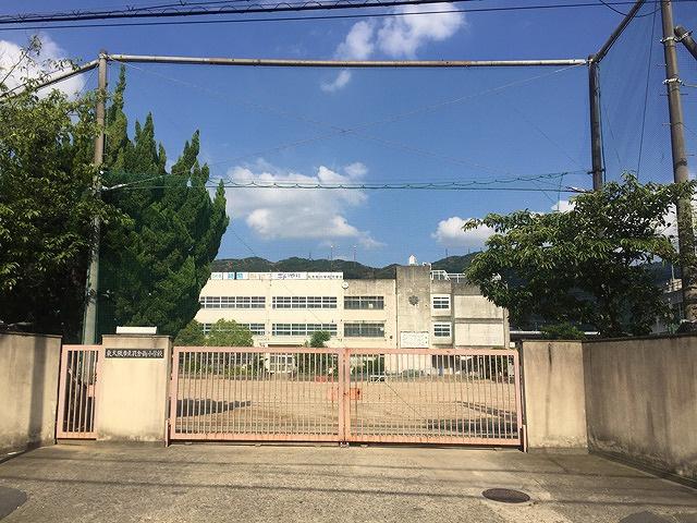 孔舎衙東中学校