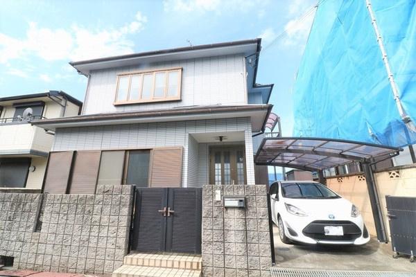【外観写真】 平成8年3月建築のお家です♪